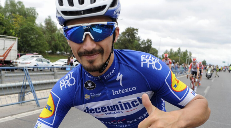 Julian Alaphilippe élu coureur international de l'année par Cycling Weekly