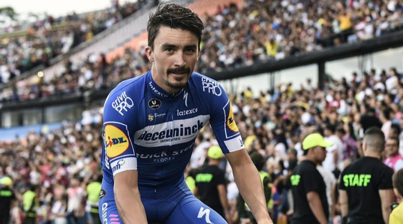Julian Alaphilippe reçoit le Vélo d'Or français 2019
