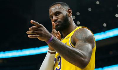 NBA - LeBron James dépasse Kobe Bryant