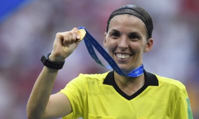 Stéphanie Frappart devient la première femme à arbitrer en Ligue des Champions