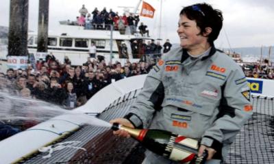 7 février 2005 - Record du tour du monde à la voile en solitaire pour Ellen MacArthur
