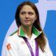 La nageuse biélorusse Aliaksandra Herasimenia vend l'une de ses médailles