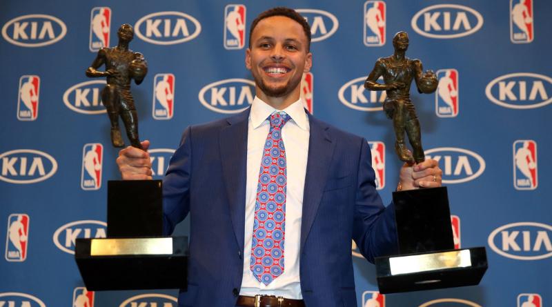 10 mai 2016 : Stephen Curry, MVP à l'unanimité