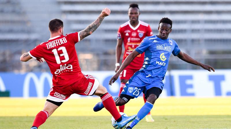 Ligue 2 : Niort renverse Villefranche et décroche son maintien