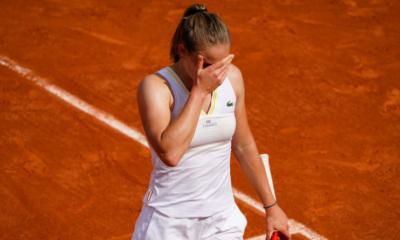Roland-Garros - Fiona Ferro tombe face à Jennifer Brady au terme d'un long combat