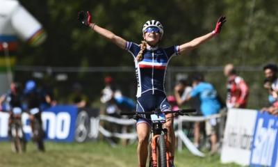 Cyclisme - VTT Cross-country Line Burquier championne du monde juniors devant Olivia Onesti